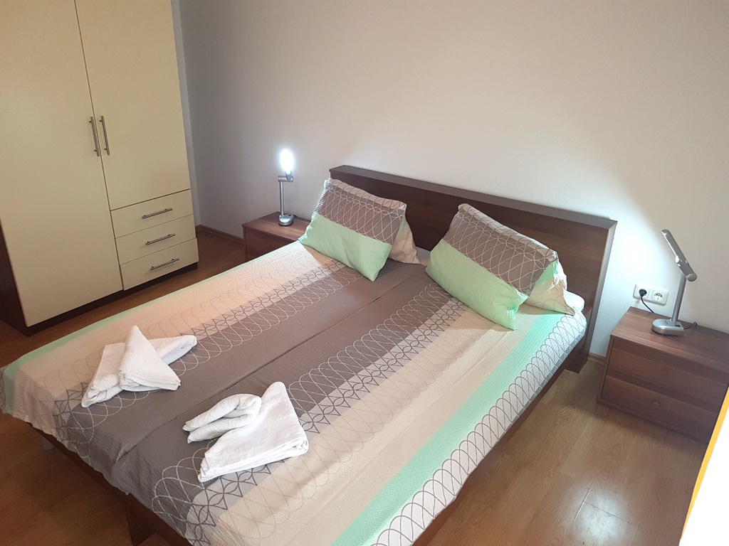 apartment j01 3 1 personen klimatisiert schlafsofa novalja zrce g nstige apartment und. Black Bedroom Furniture Sets. Home Design Ideas
